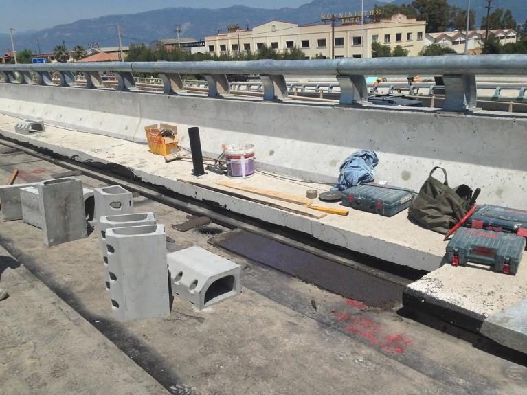 foto-4-griekenland-bridgedrainage.JPG