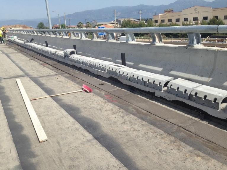 foto-2-griekenland-bridgedrainage.JPG